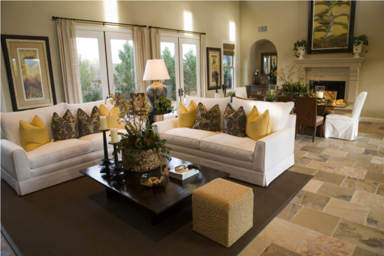 Home staging tips photos ideas paula raymond killeen realtor Model home furniture rental